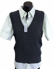 Extra-lightweight ribbed vest.